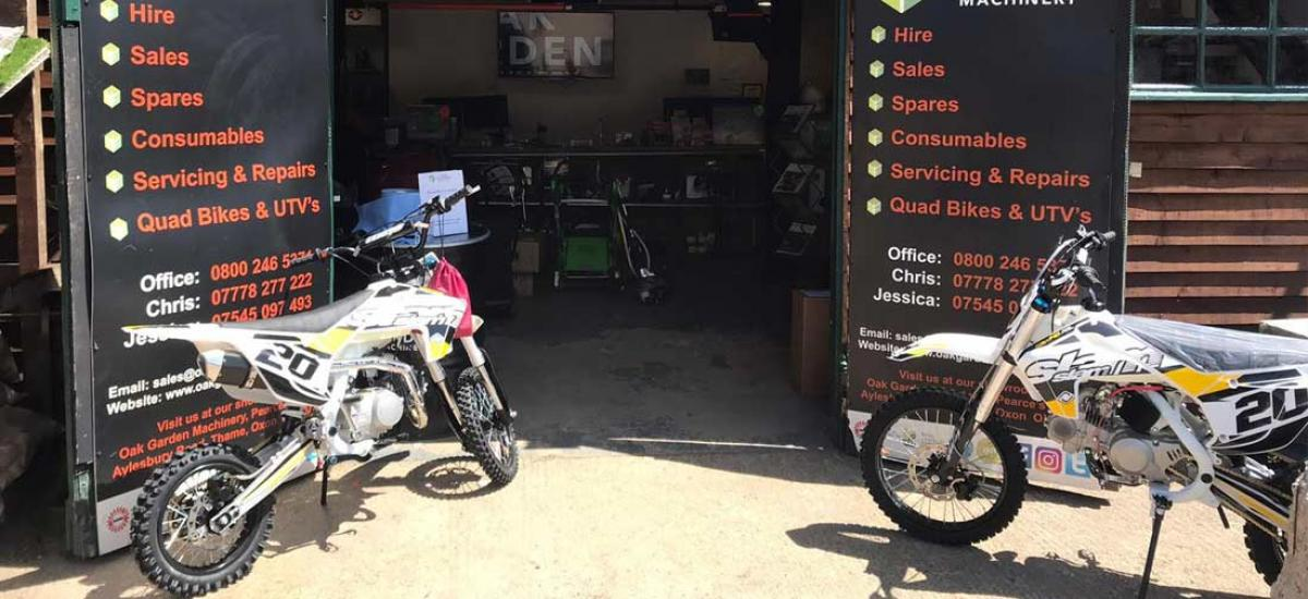 A pair of Slam Pit Bikes sold to customer in Reading, Berkshire