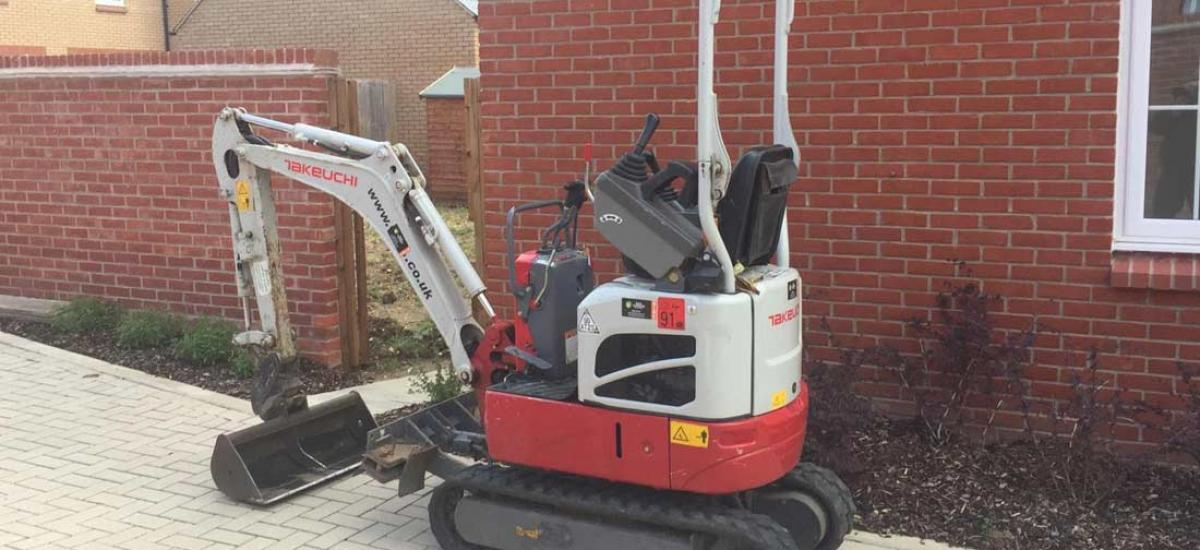 Micro digger hire for back garden project in Aylesbury, Buckinghamshire