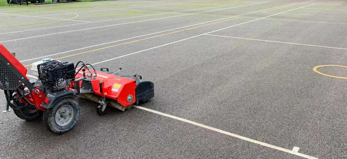 Moss remover hired for tennis court cleaning in Oxfordshire
