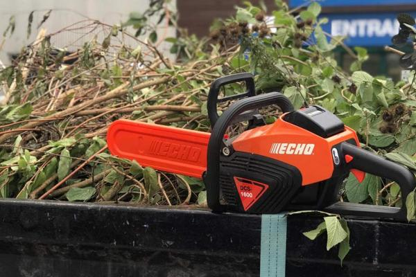 Customer demo of Echo DCS-1600 electric chainsaw at our showroom in Thame