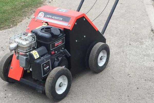 Lawn aerator hired out to customer in Thame, Oxfordshire