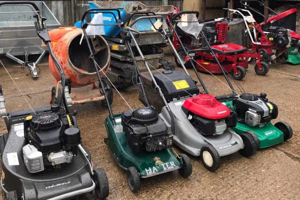 Lawn mower servicing and repairs with collect and return across Oxfordshire and Buckinghamshire